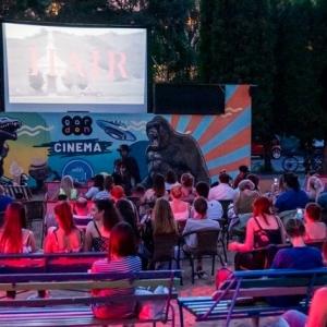 INGYEN látható a Grease film júniusban!